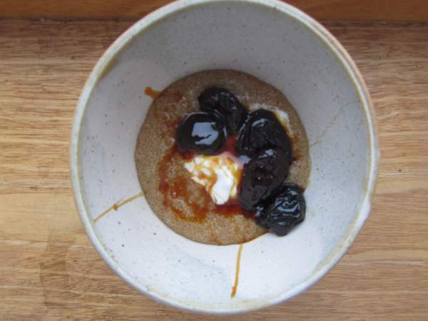 Amaranth porridge with prunes stewed in malt_small