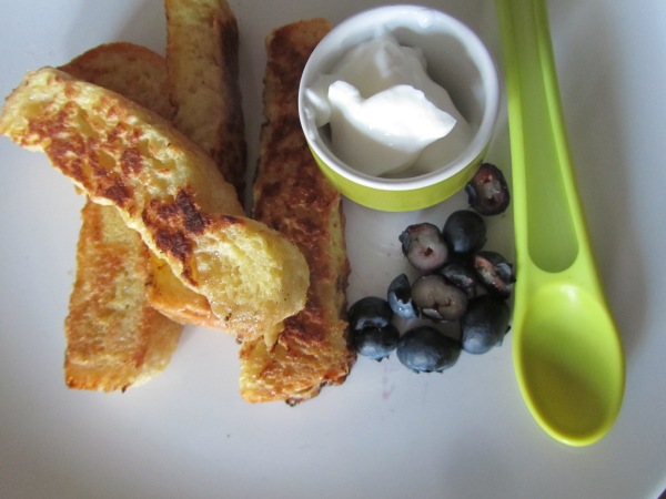 French toast soldiers with blueberries and yoghurt @healthyfoodiebaby
