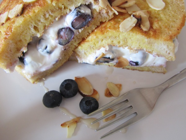 French toast with blueberries& yoghurt@ healthyfoodiebaby