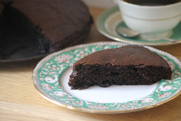 Blackstrap molasses and blueberry cake @healthyfoodiebaby