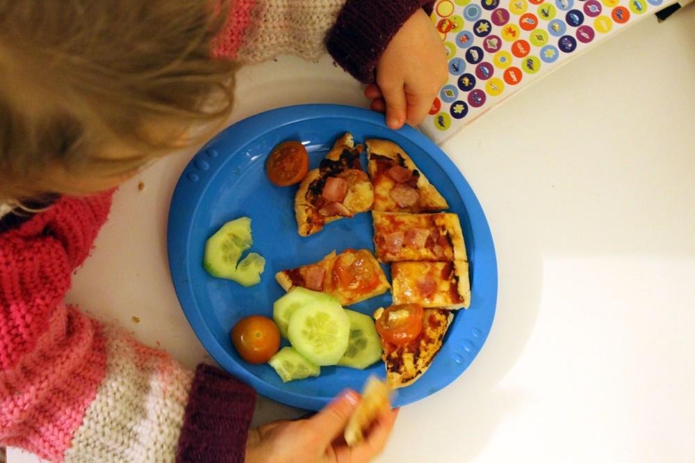 Pita Pizza @ healthyfoodiebaby