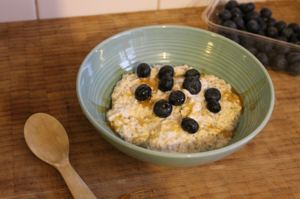 Almond, Honey & Blueberry Overnight oats @ healthyfoodiebaby