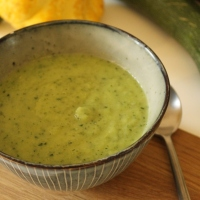 Creamy Courgette & Coconut Soup